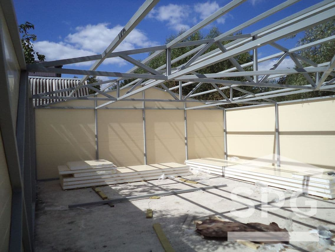 Ремонт крыши из сэндвич-панелей