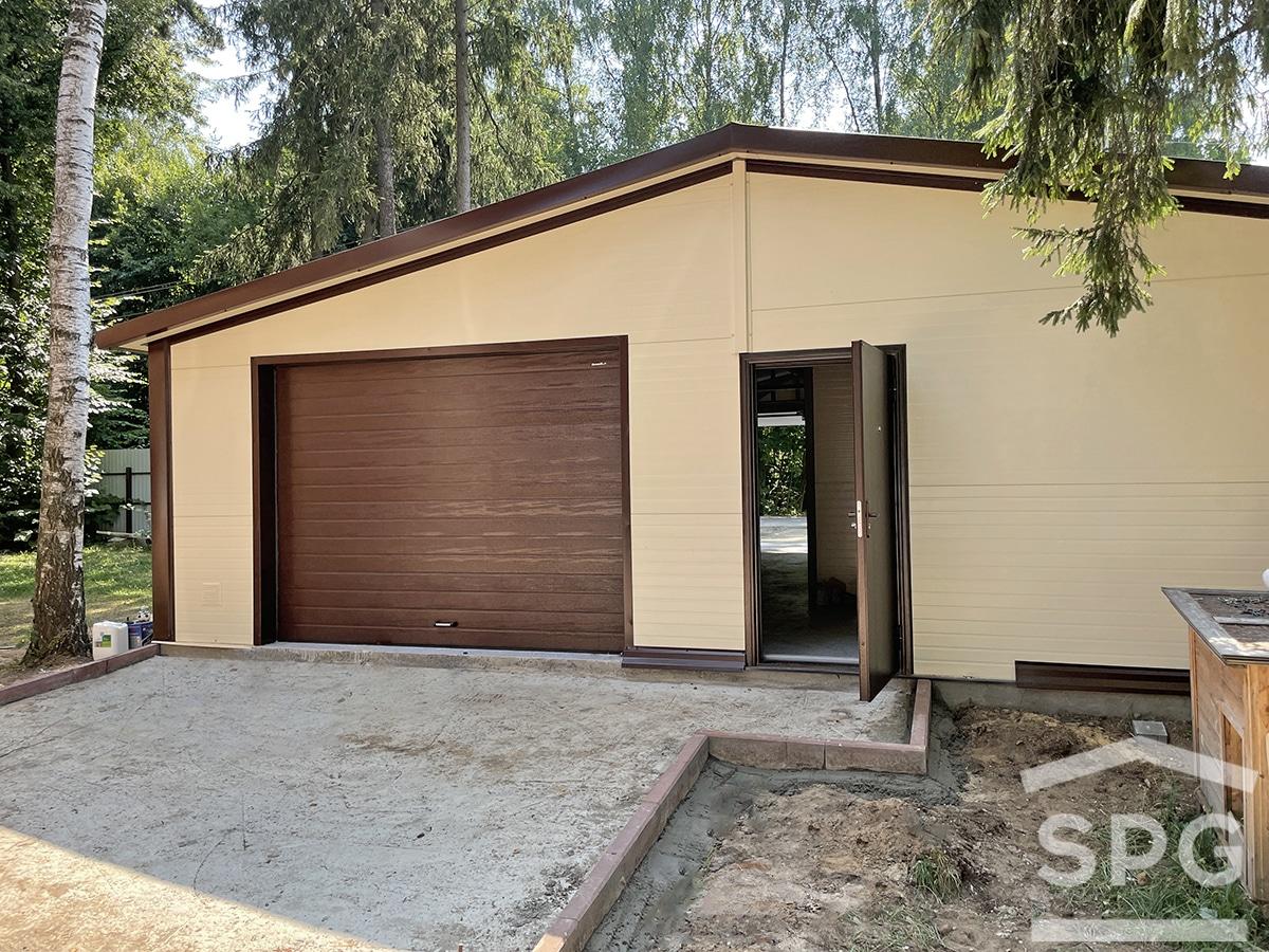 Г-образный гараж на одну машину с хозблоком 9,5 х 11 м.